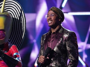 The Masked Singer: Twitter Reacts to the First Professional Singer's Reveal