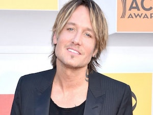 Keith Urban Wins Entertainer of the Year at the 2019 ACM Awards