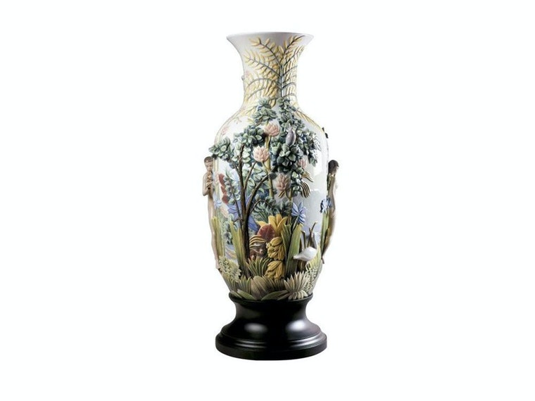 This $22,500 porcelain vase