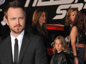 Aaron Paul Dresses His Baby in Breaking Bad Cosplay for Comic-Con