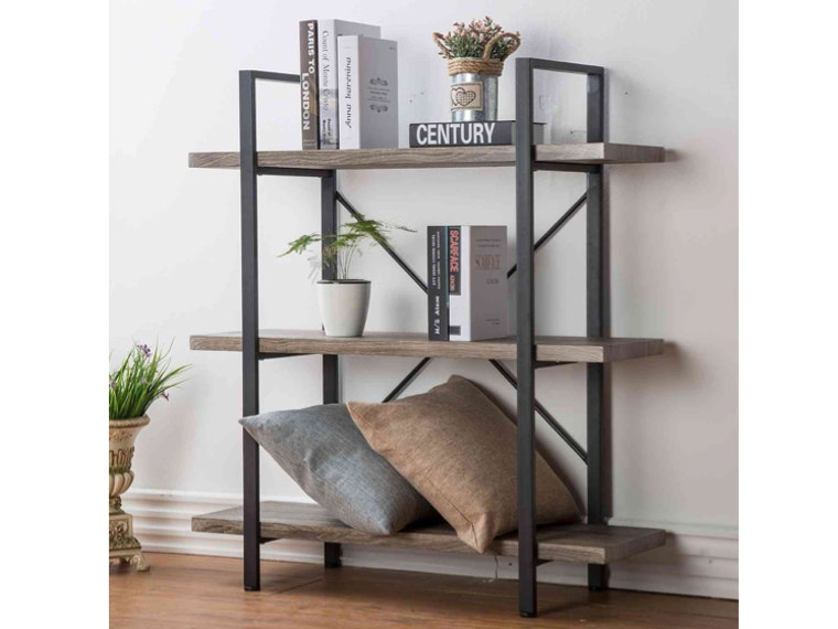 This rustic shelf for big readers 📙