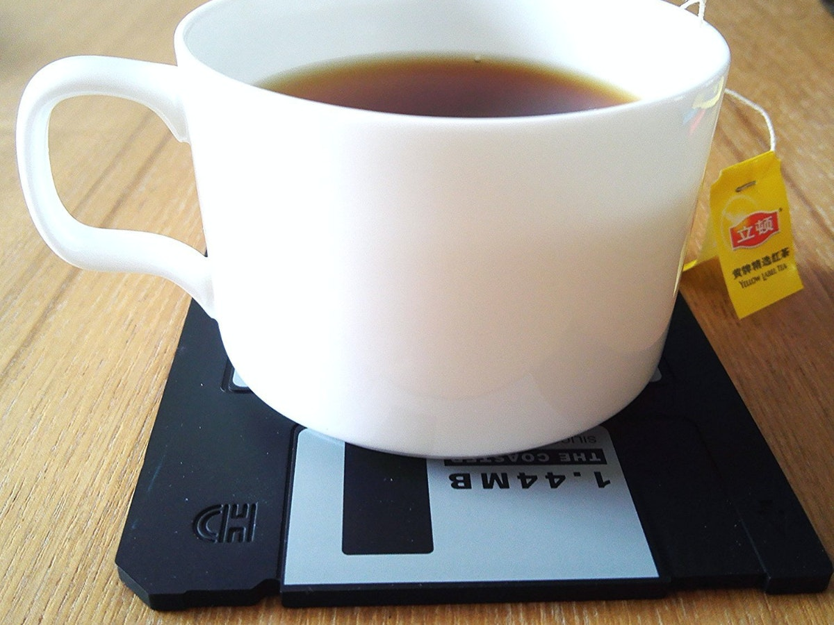 These totally not-obsolete beverage coasters