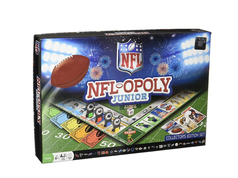This twist on Monopoly for boys who love football 🏈