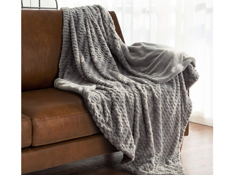 This super warm and cozy blanket