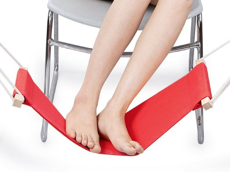 This hammock that's like a vacation for your feet