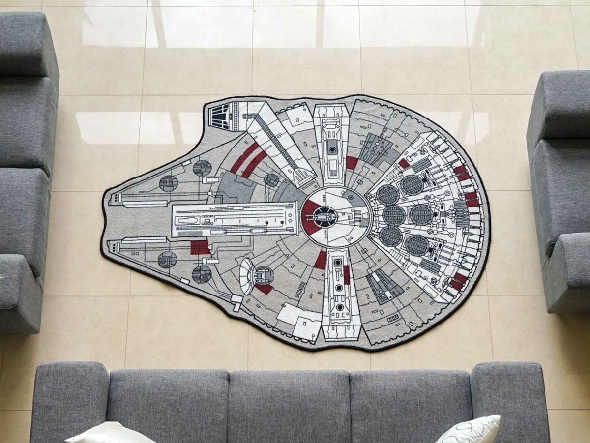This rug that lets you set foot on the Millennium Falcon every day