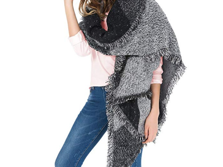 This fashionable blanket scarf