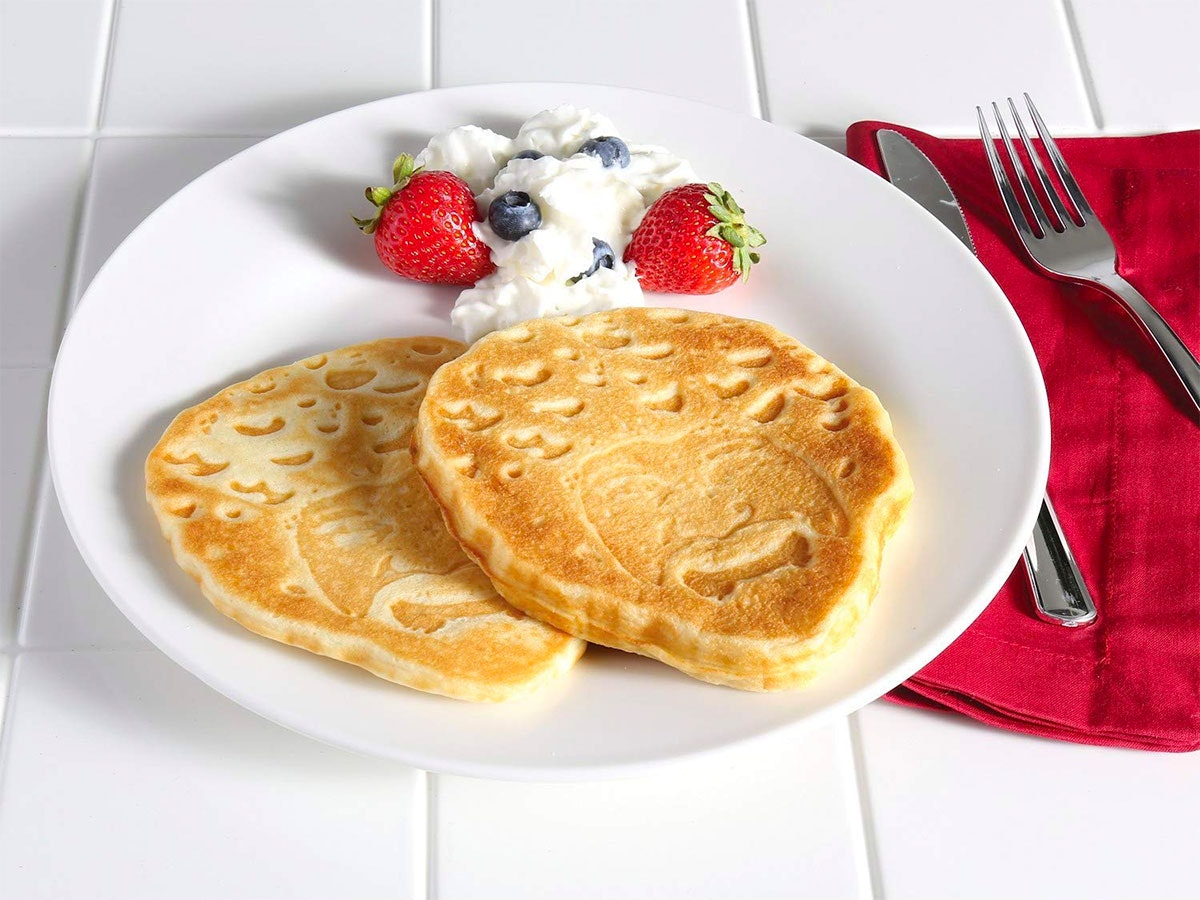A happy little waffle maker