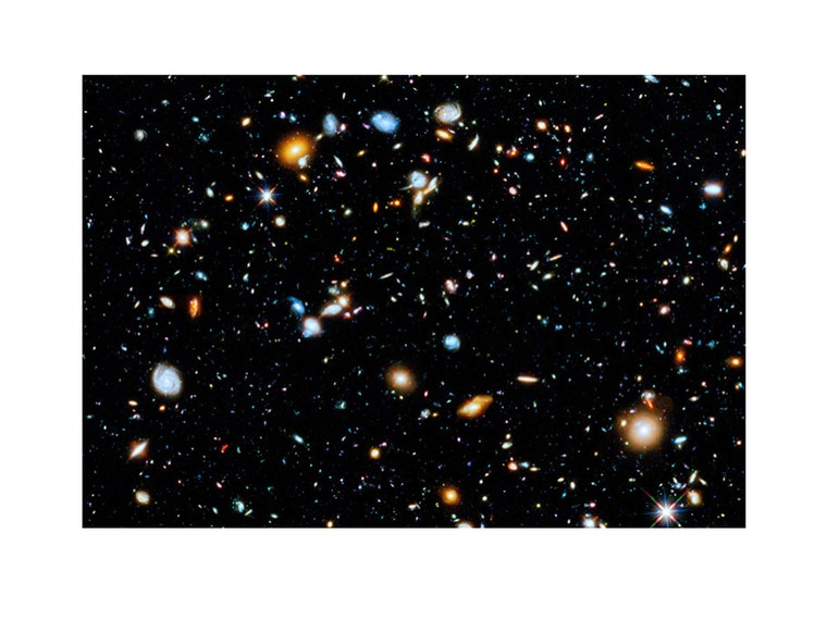 This out-of-this-world poster that shows off the power of the Hubble 🔭