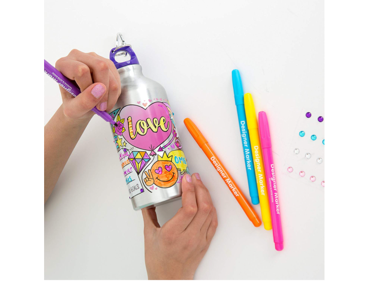 This water bottle that she can design herself 🖍️