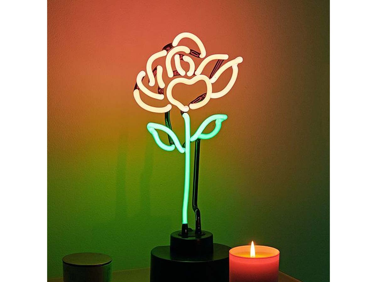 These neon roses to replace live centerpieces