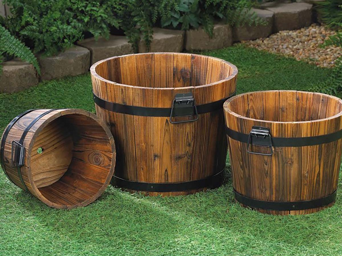 These planters, repurposed as stylish coolers
