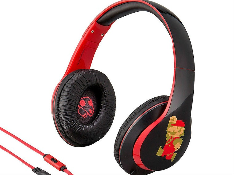 These Super Mario headphones that are retro AF