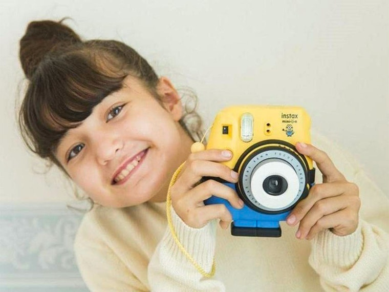 This despicable instant film camera📸