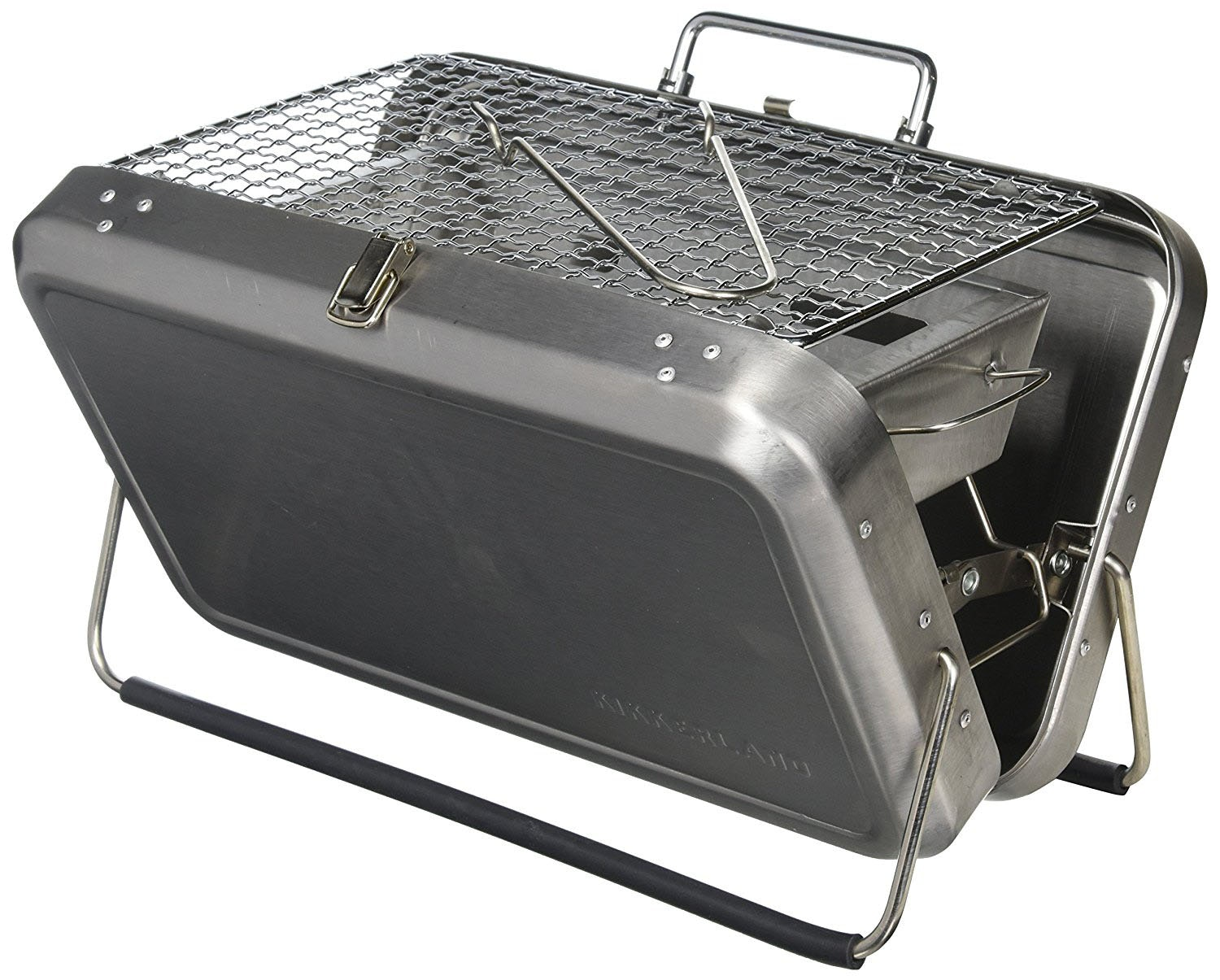 This suitcase that unfolds into a BBQ grill
