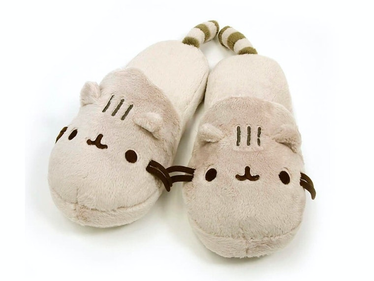 These comfy-cute Pusheen slippers 😺