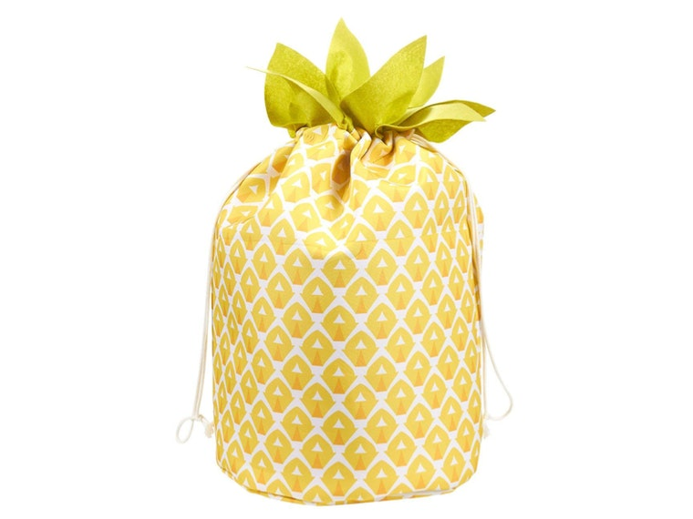 This laundry bag that looks like a tropical treat🍍🍍🍍