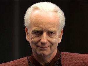 Star Wars Fan Theory: Emperor Palpatine Is Immortal