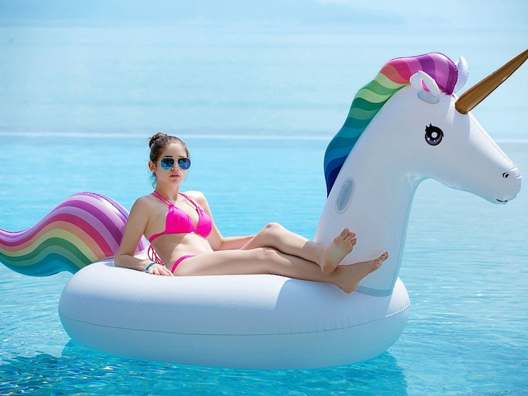 This giant unicorn pool float for two🦄