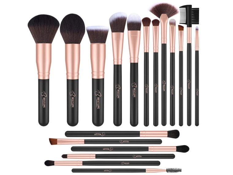 These makeup brushes that are so good you could kiss them 💋