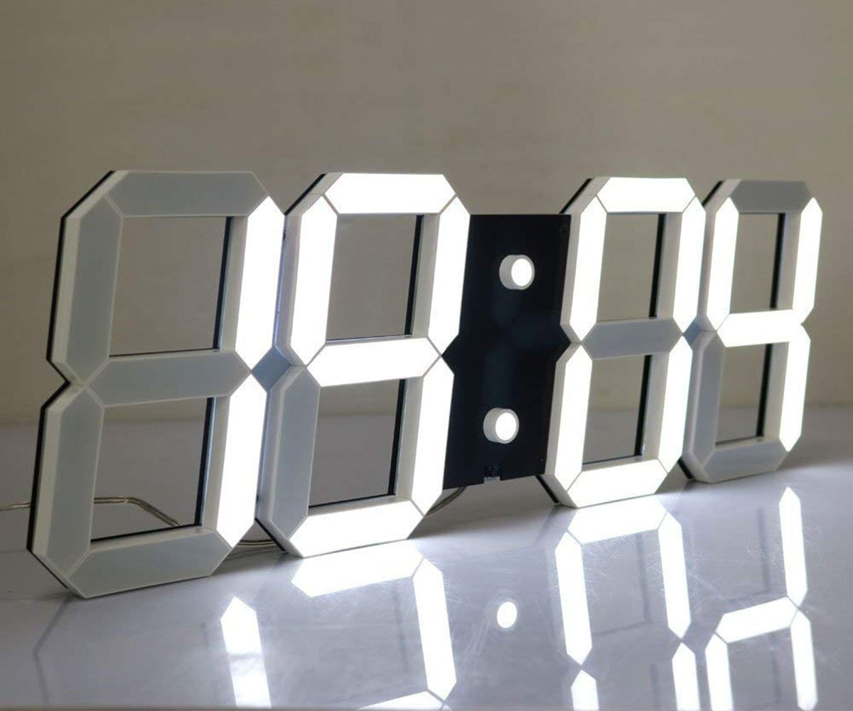 This giant digital clock 🕰️