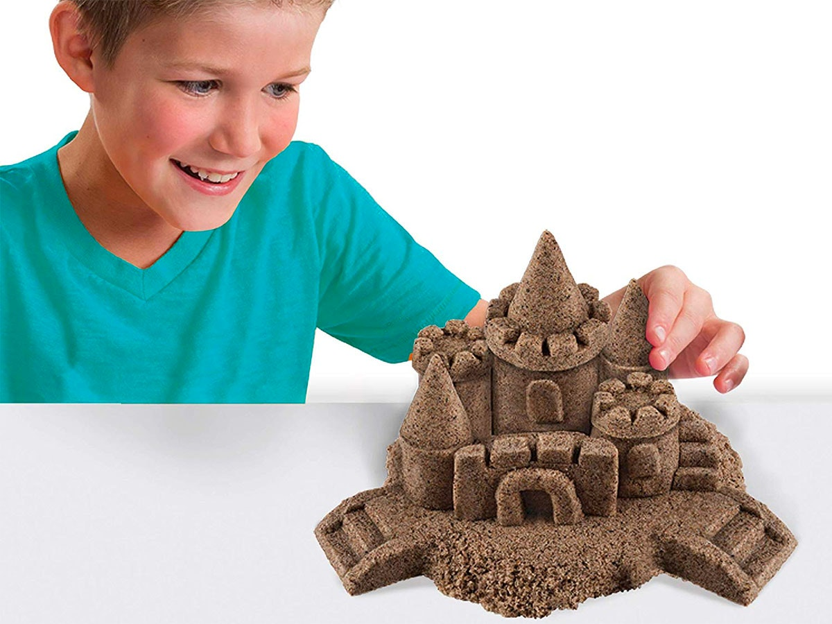 This sculpting sand that doesn'tleave a mess