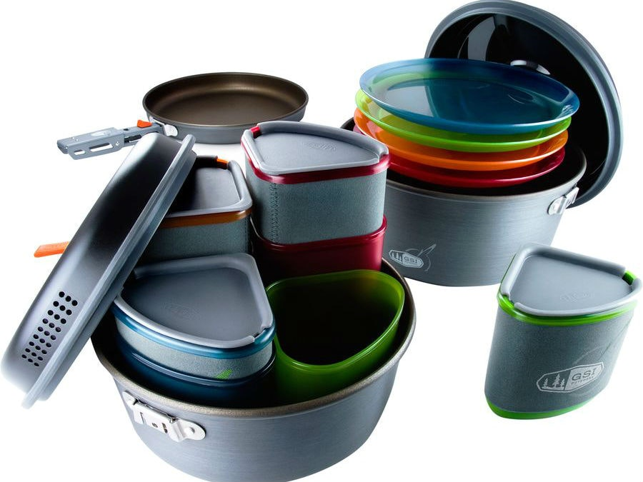 These ingenious nesting dishes and cookware