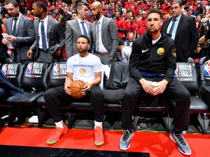 This Photo of Steph Curry Next to Klay Thompson Is Actually Hilarious