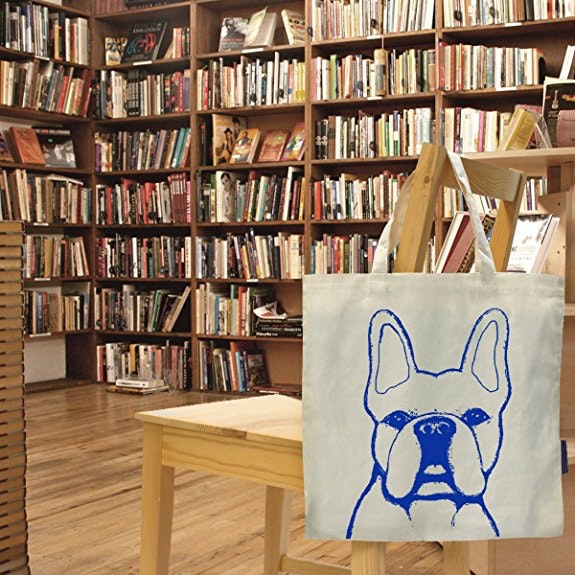 A tote that declares your bulldog allegiance