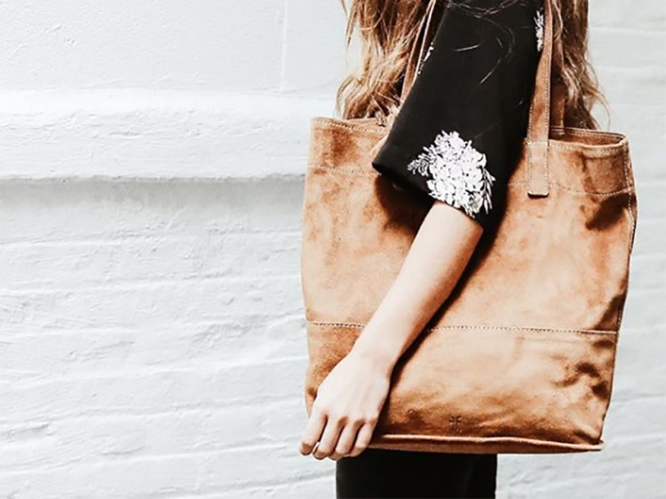 This no-frills tote that puts frilled totes to shame