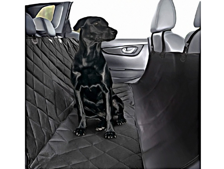 This pet seat cover that keeps your car clean