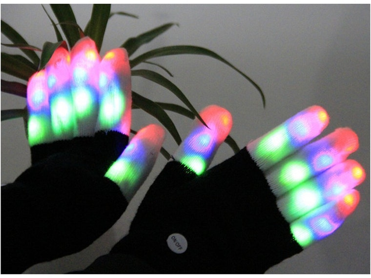 These crazy gloves that light up and blink in the dark 💡