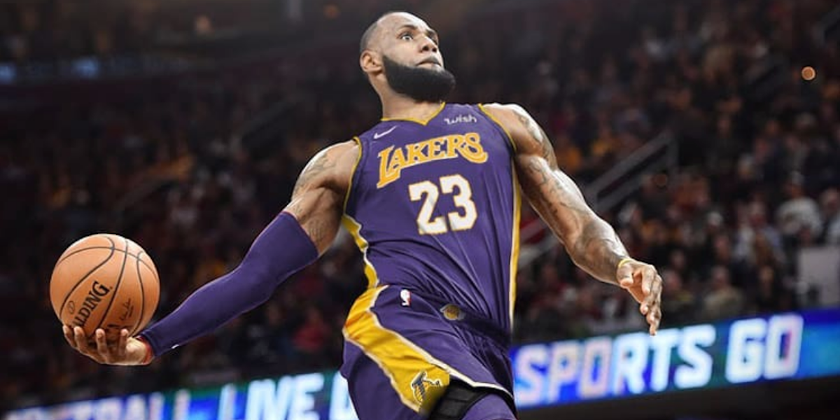 LeBron James Joins the Lakers: Chrissy Teigen & More Celebrities React