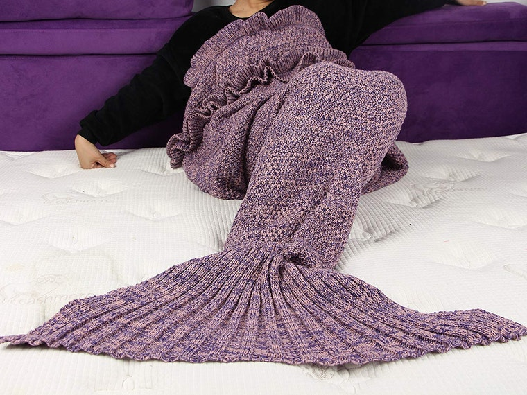 This cozy mermaid's tail that doubles as a blanket 🐟