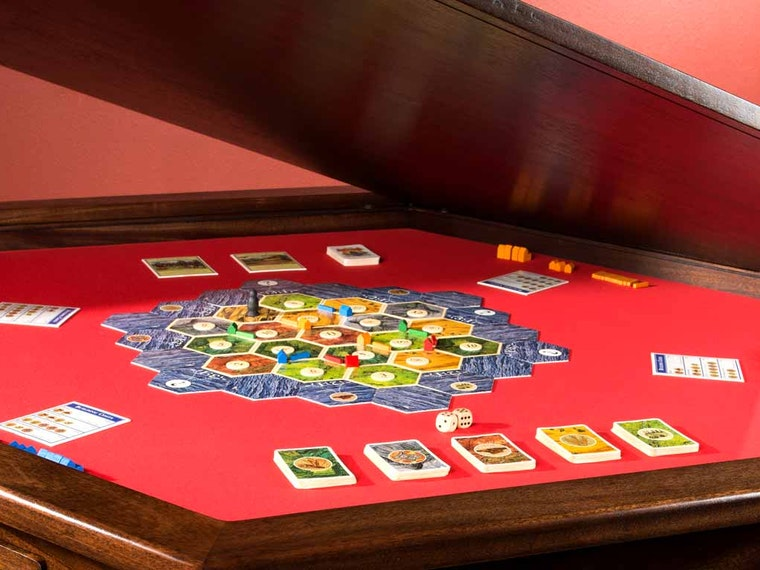 This stunning custom gaming table
