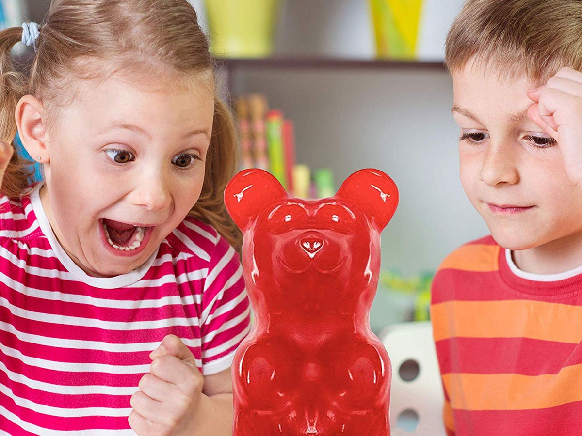 This gigantic 5-pound gummy bear 🐻