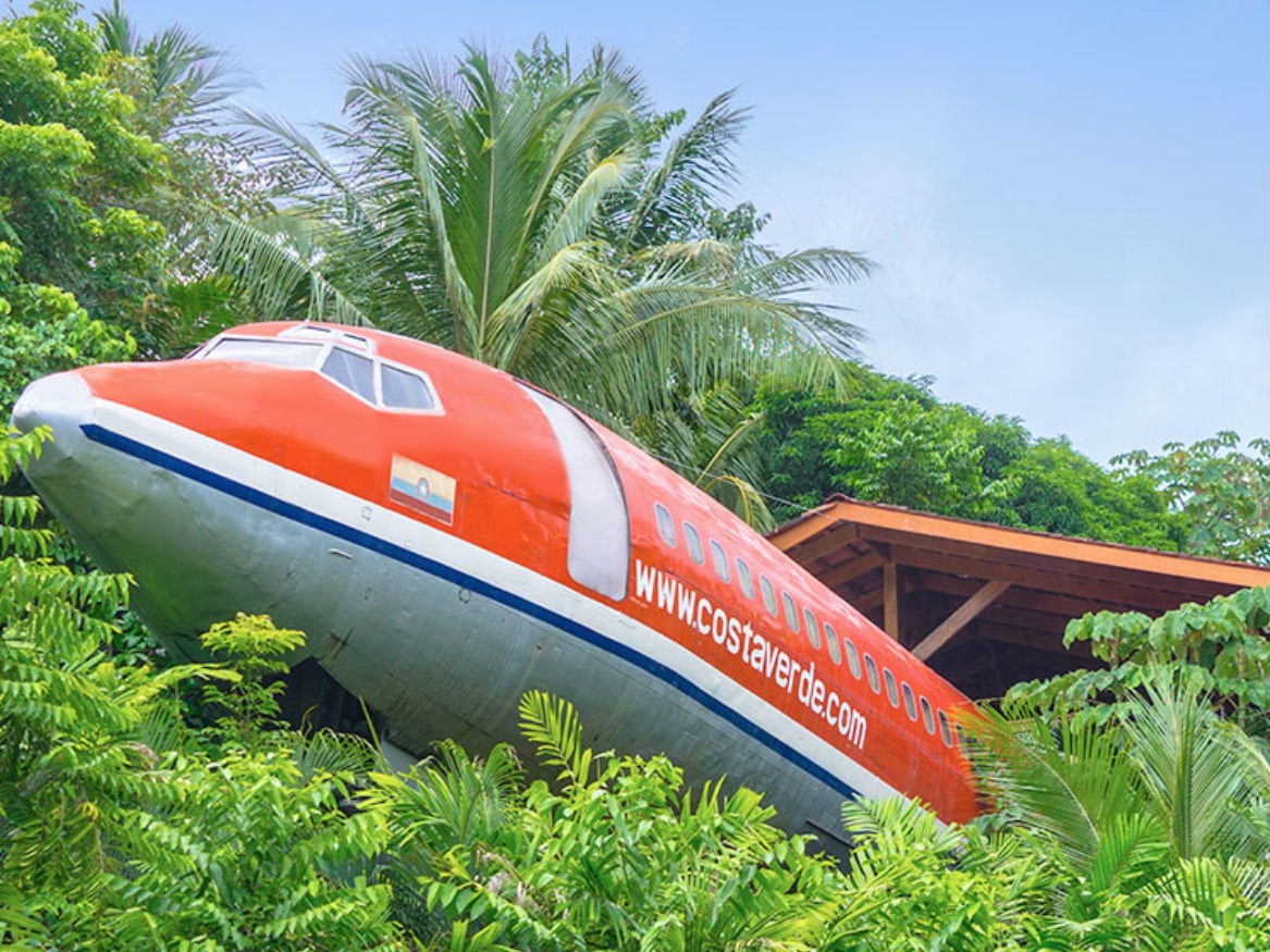 ThisCosta Rican resort thatlets you sleep in a Boeing 727