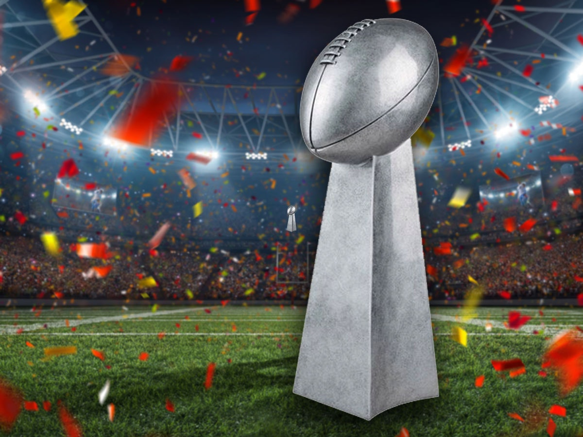 This customizable replica for wanna-be world champs🏈
