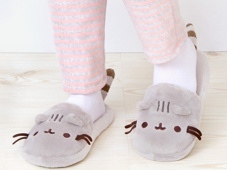 This pair of purr-fect slippers