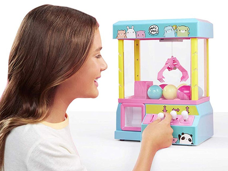 A claw game of your very own! 😍