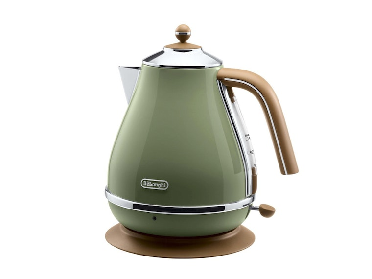 A kettle for vintage tea time