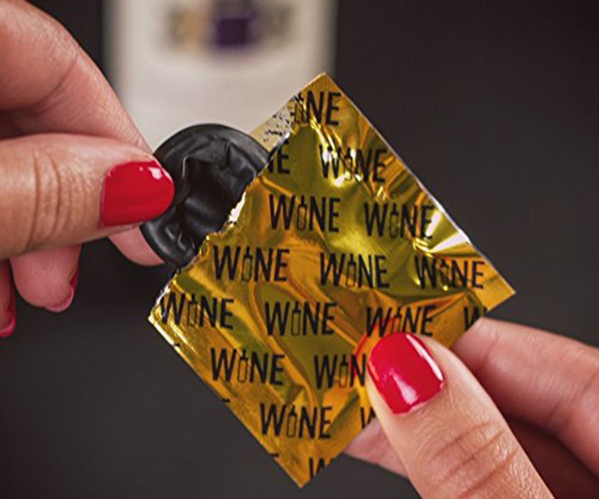 These condoms ... for your wine bottle?🤔🍷