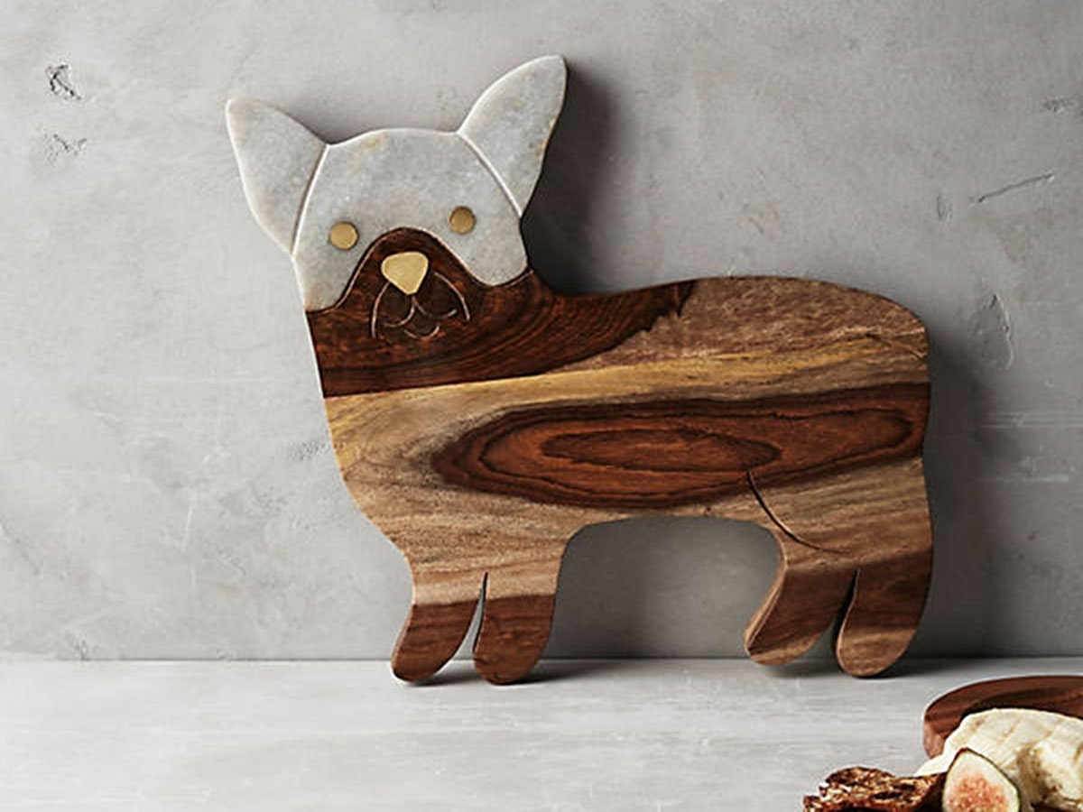 Thisadorb bulldog cheese board for serving guests