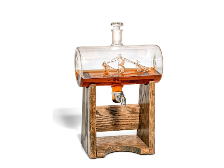 This sea-worthy decanter⛵
