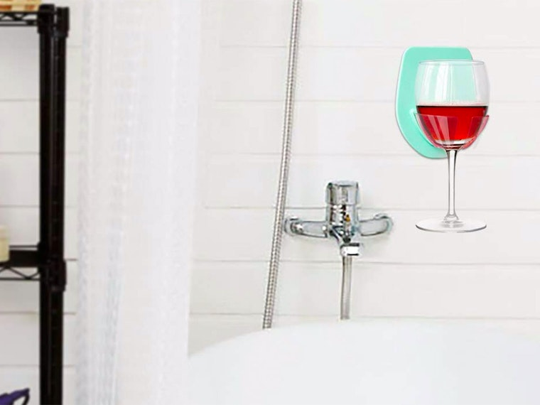 This holder for your bathtime wine 🛀🍷