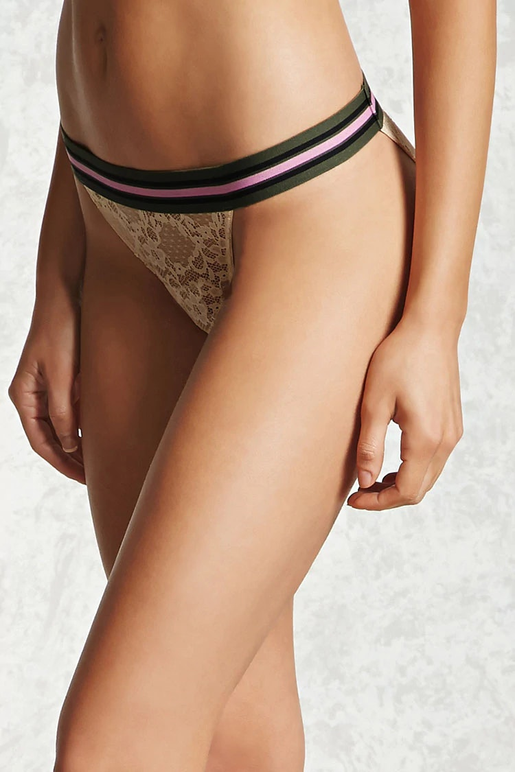 These cheeky lace panties