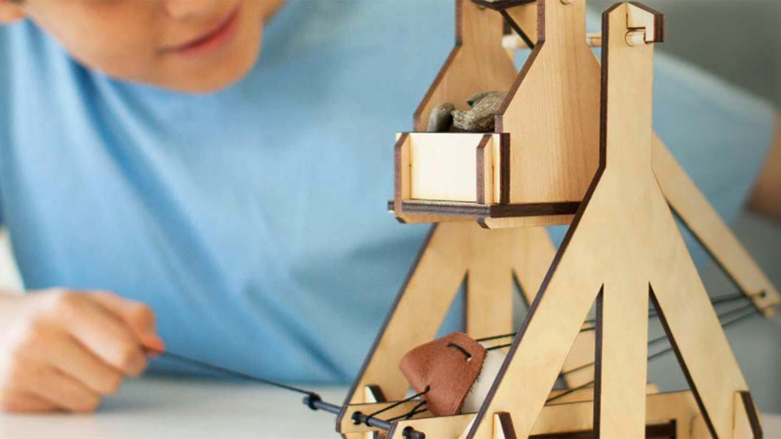 This clever subscription box foryoung builders, explorers and trebuchet fans