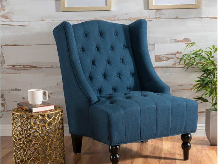This tufted delight of a chair 😍