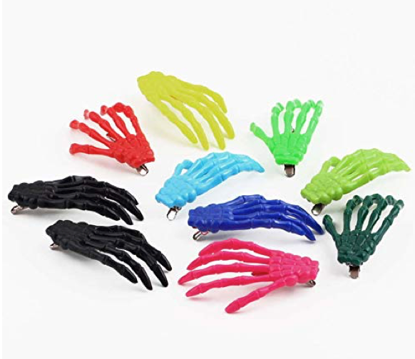 These hair clips that look like skeleton hands💀