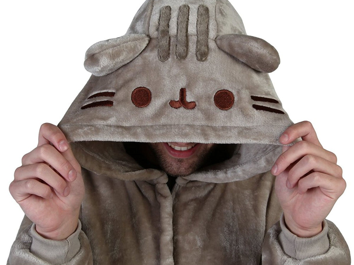 These insanelycuddly pajamas that actually turn you into Pusheen